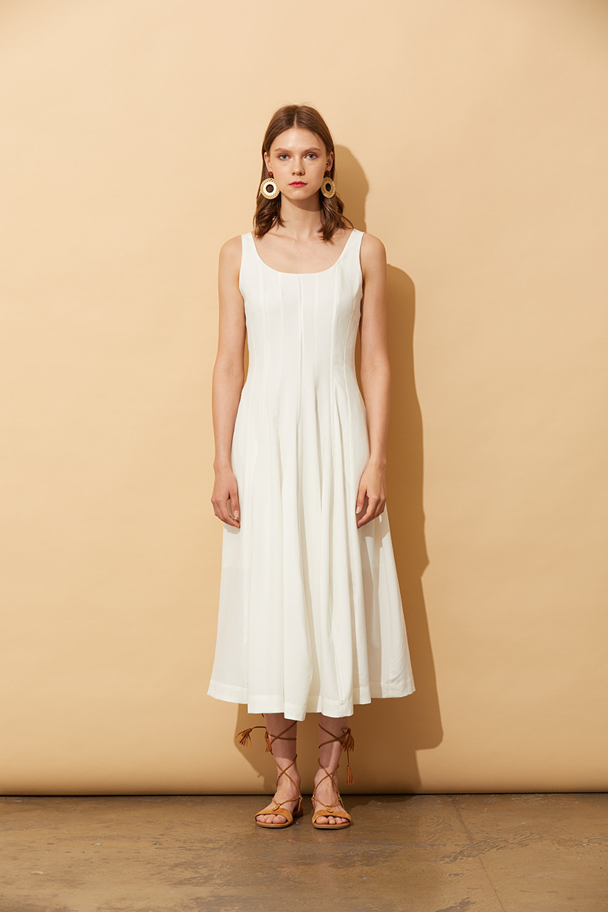 AHIN FLOWING SLEEVELESS DRESS [ME-DR-835]